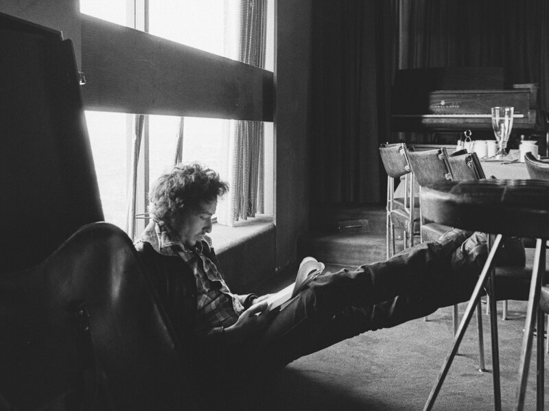 Hear An Early Outtake Of Bob Dylan's 'If You See Her, Say Hello