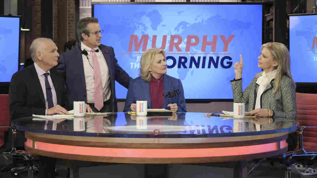 Hillary Clinton guest stars on revamped Murphy Brown
