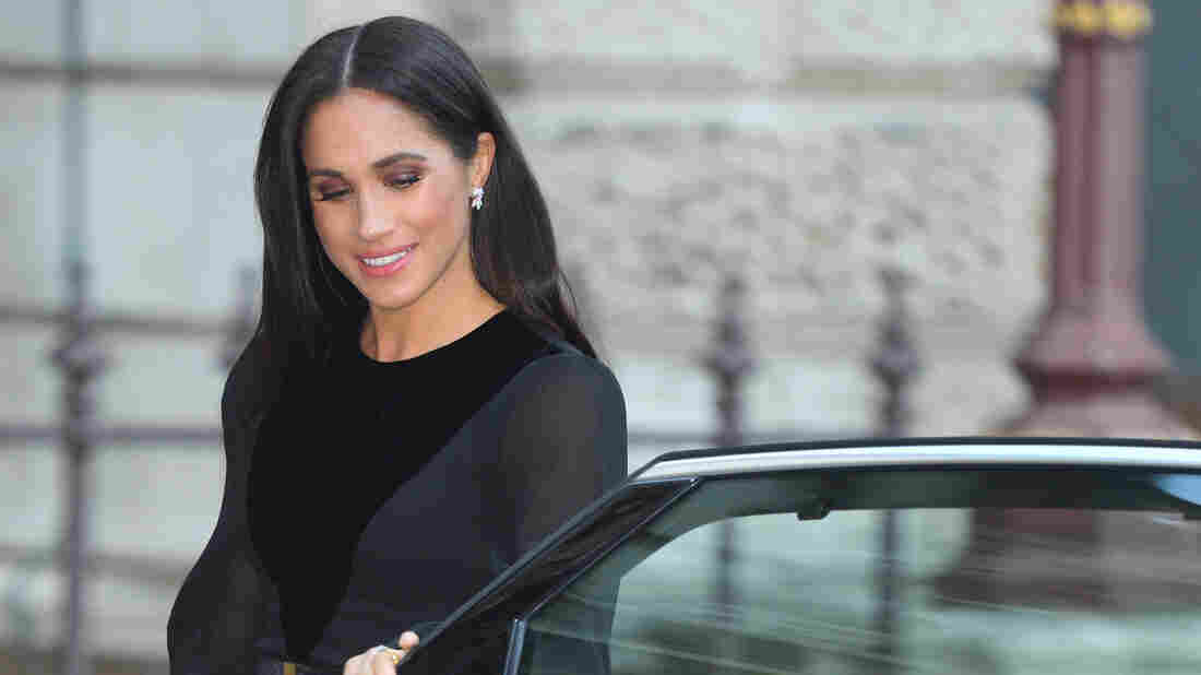 Duchess Meghan makes first royal solo outing for art exhibition