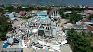 More Than 800 Confirmed Killed After Tsunami And Earthquake In Indonesia