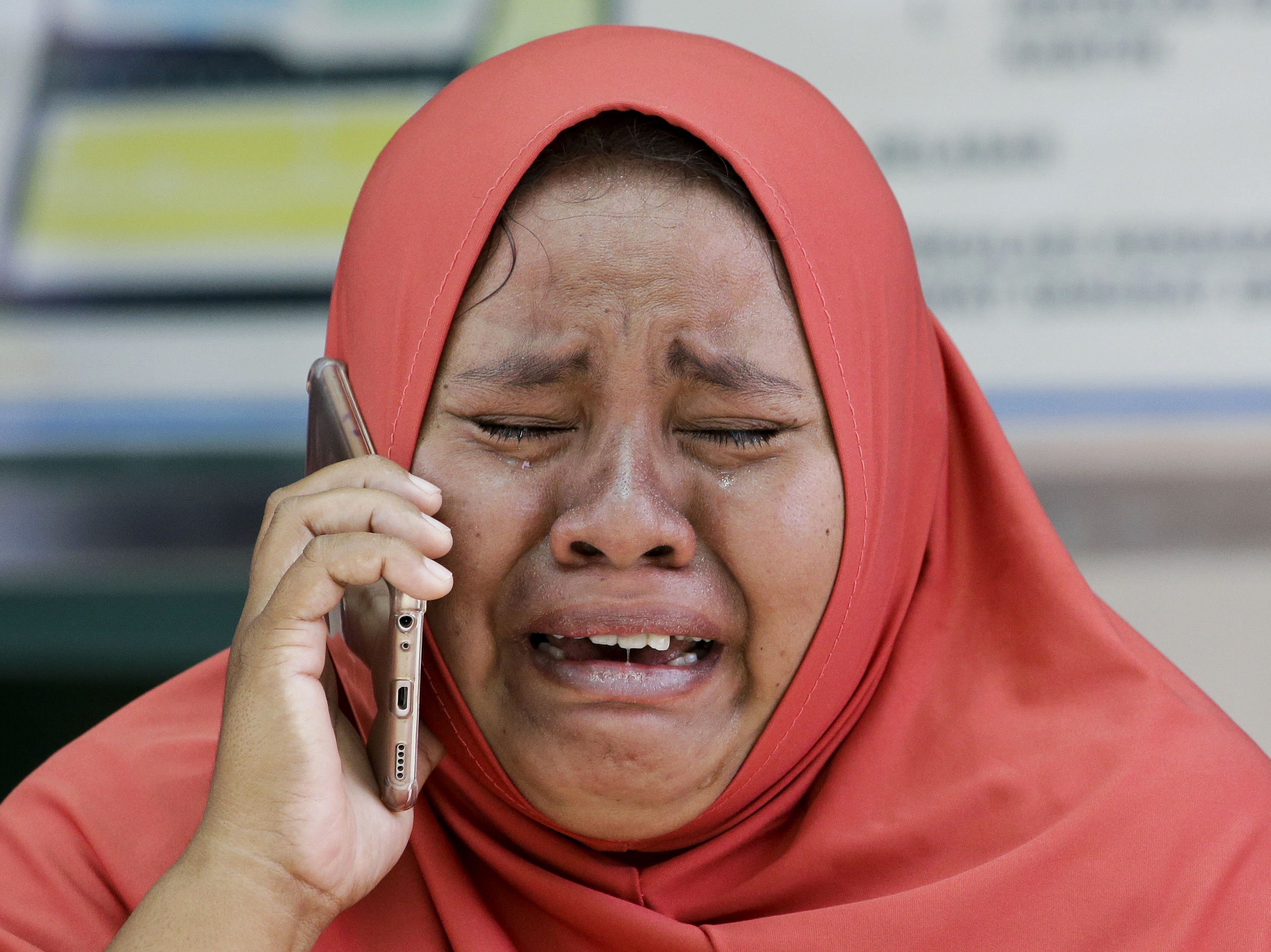 Death Toll from Indonesia's Quakes, Tsunami Climbs to 1,571