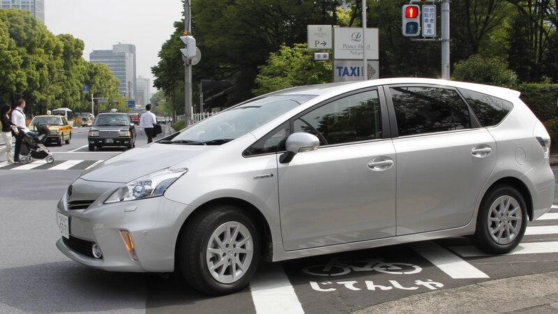 Toyota Recalls More Than 800 000 Prius Vehicles In U S