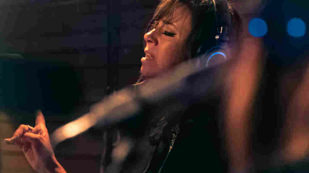 Watch Cat Power Perform 'In Your Face' Live In The Studio