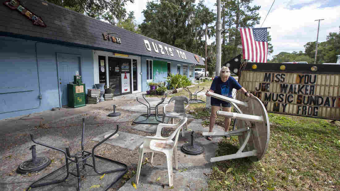 Unscathed by Hurricane Michael, Lake City friends test their luck