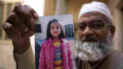 Pakistan Executes 'Serial Killer' Who Raped And Murdered 7-Year-Old Zainab Ansari