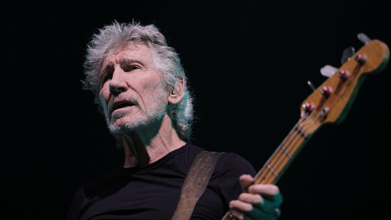 Ahead Of Presidential Election Pink Floyds Roger Waters Divides Brazil