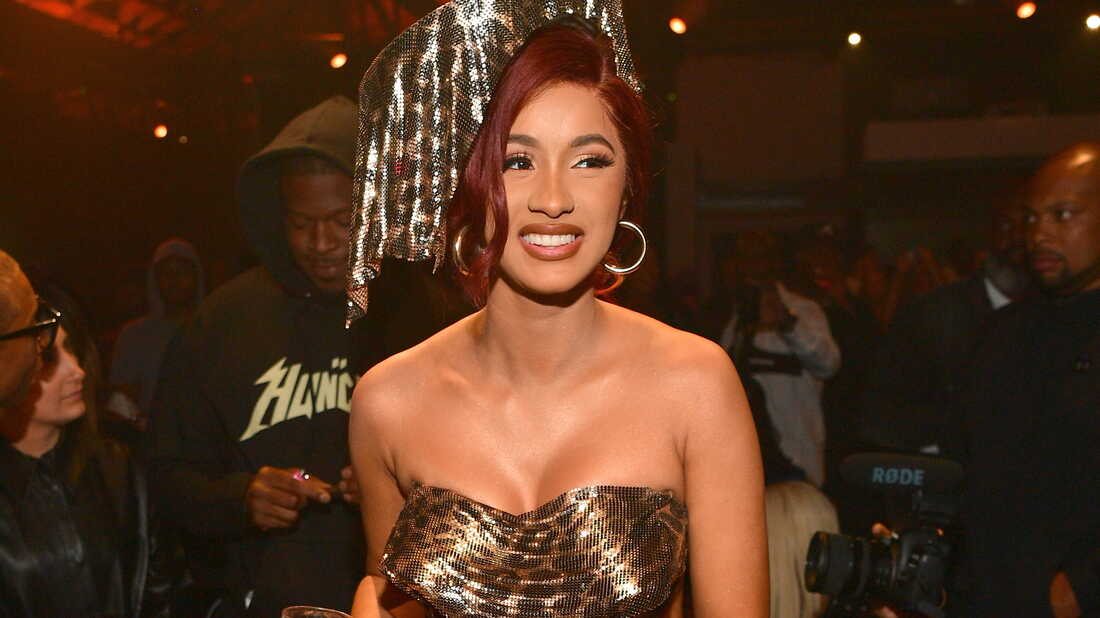 Cardi B Stays Consistent, Counts Her 'Money'