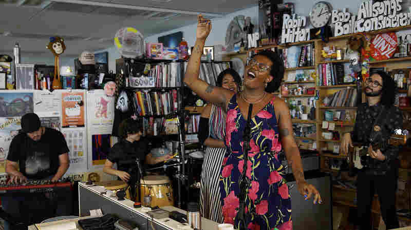 Liniker e os Caramelows: Tiny Desk Concert
