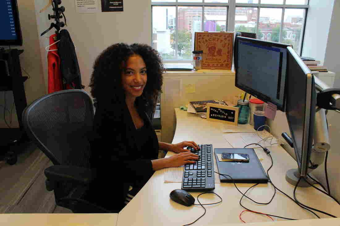 Sidney_Desk