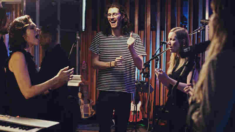 Watch Hozier Perform 'Nina Cried Power' Live In The Studio