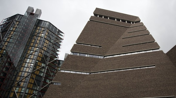 Luxury Apartment Owners Head To Court Against Peeping From Tate Modern s Balcony