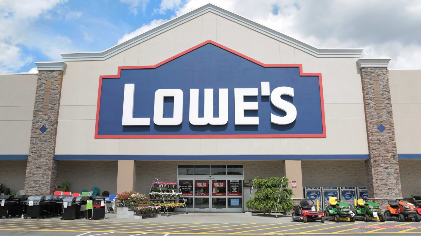 Lowe's To Shutter 51 Underperforming Stores : NPR on lowe's diy plans, lowe's landscaping plans, lowe's kitchen plans, lowe's gardening plans,