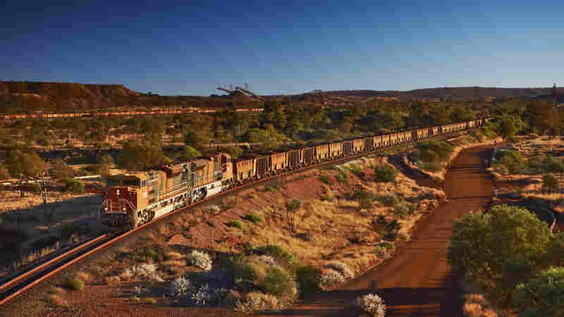 Runaway Train Blazes Through Western Australia For More Than 50 Miles