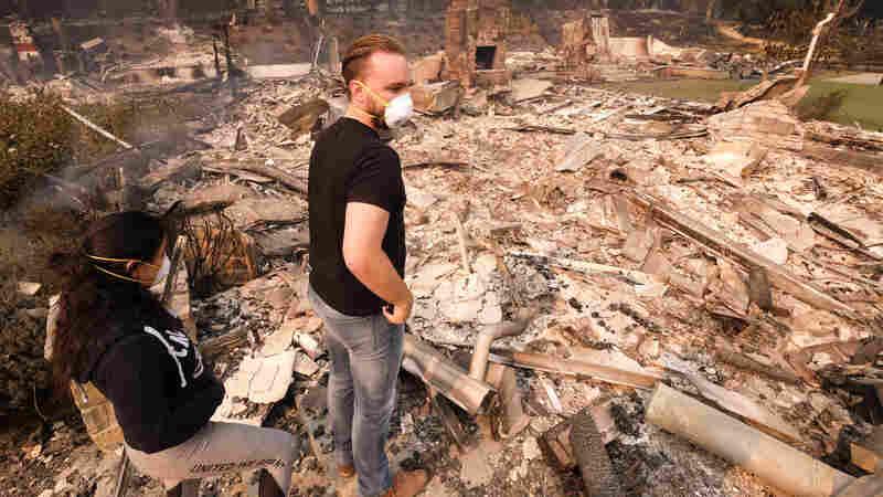 至少25死在加州森林大火肆虐