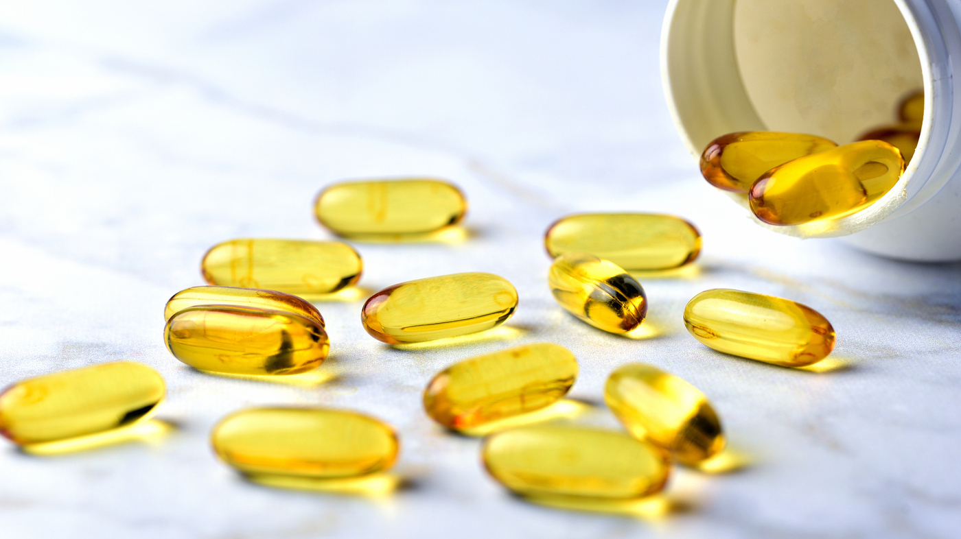 New Research Shows Vitamin D And Fish Oil Supplements May Not Be Worth It Shots Health News Npr