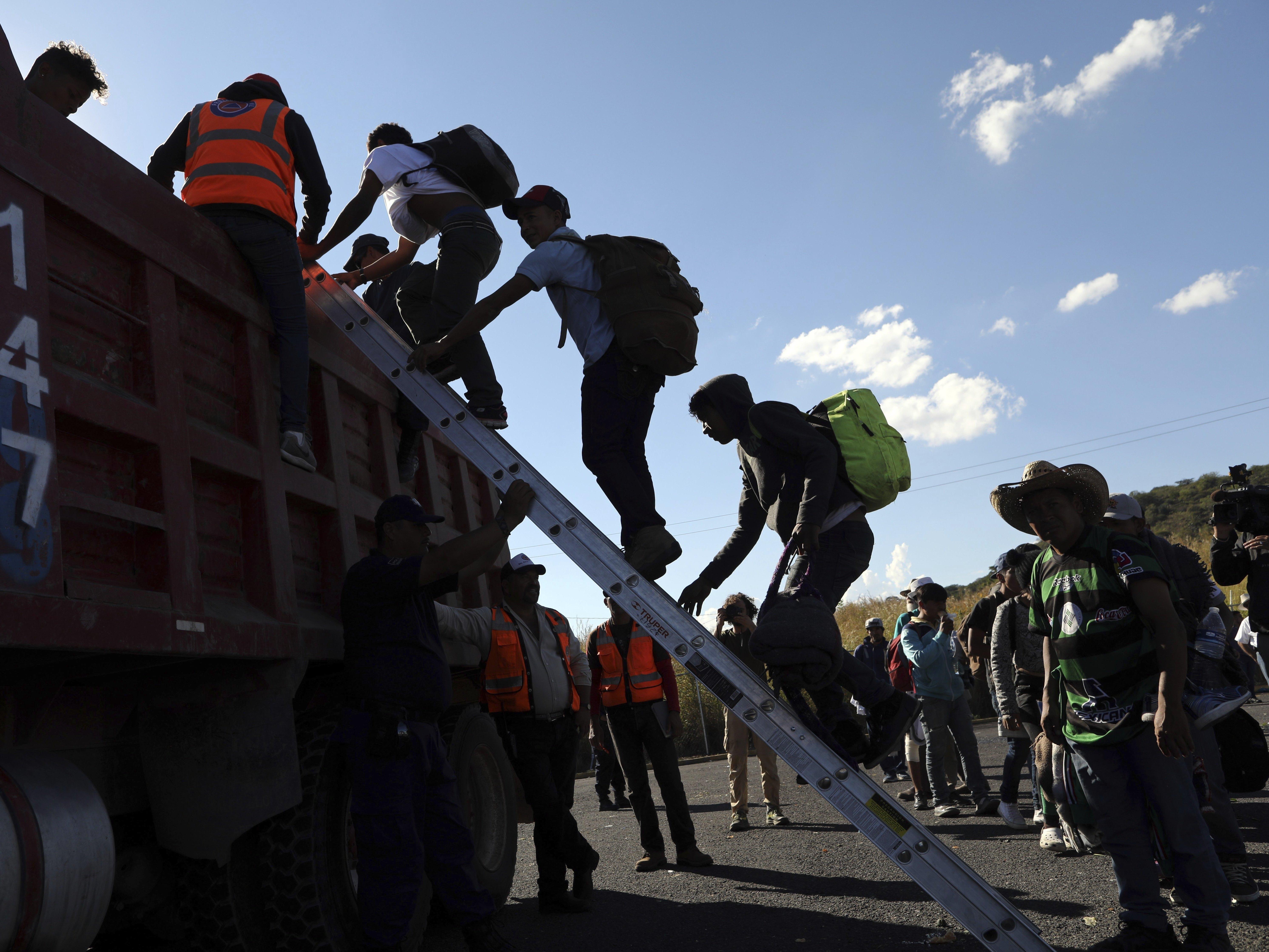 LGBT Splinter Group From Migrant Caravan Is The 1st To Arrive In Tijuana