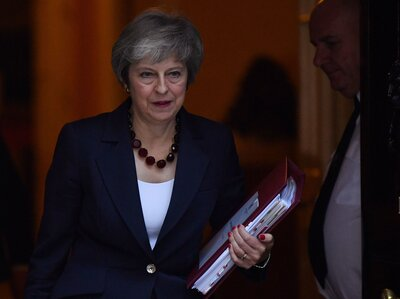 Draft Brexit Deal Clears First Hurdle With Cabinet Support