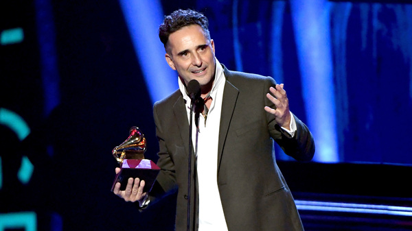 Jorge Drexler accepts Song of the Year for