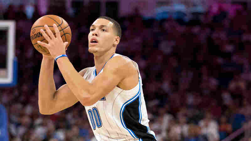 Aaron Gordon of the Orlando Magic handles the ball on Oct. 26, 2016 at Amway Center in Orlando, Fla.
