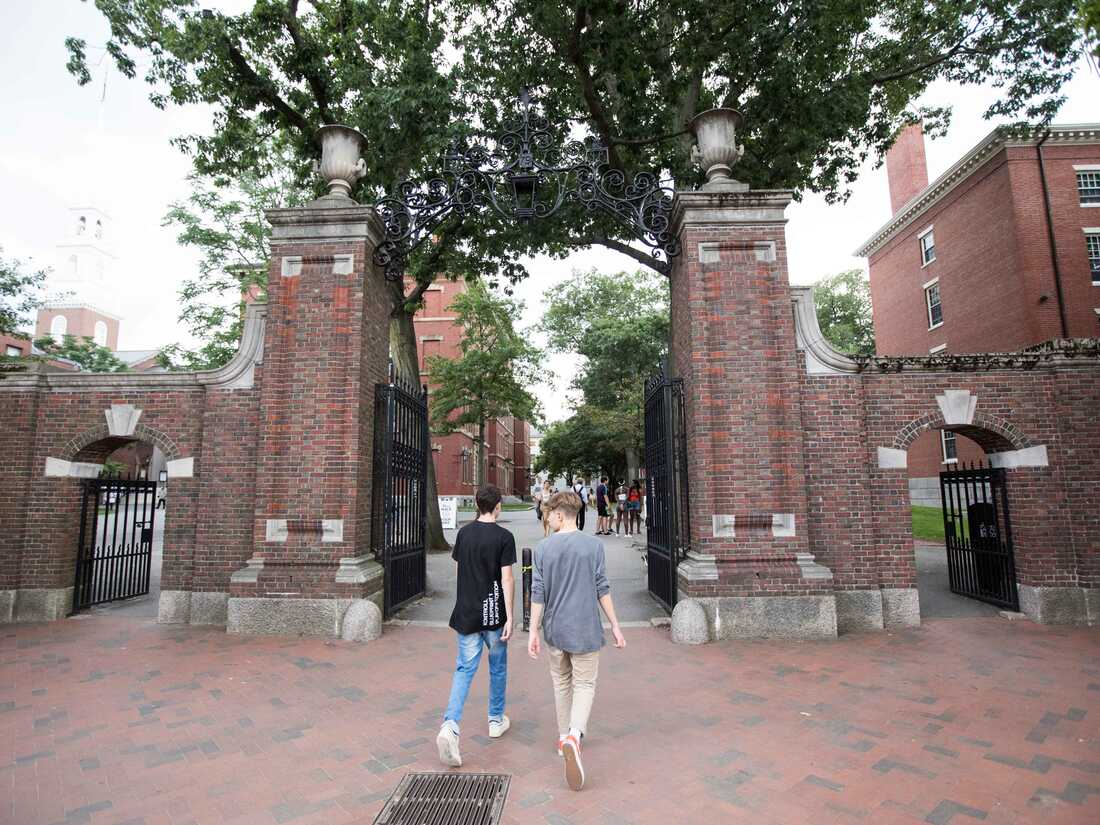CAMBRIDGE, MA - AUGUST 30: Pedestrians walk into the Harvard Yard at Harvard University on August 30, 2018 in Cambridge, Massachusetts. The U.S. Justice Department sided with Asian-Americans suing Harvard over admissions policy. (Photo by Scott Eisen/Getty Images)