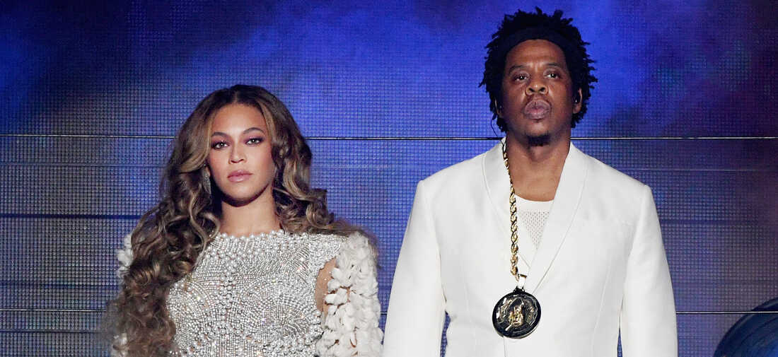 Beyoncé and JAY-Z perform onstage during the 'On The Run II' Tour at Rose Bowl on September 22, 2018 in Pasadena, California.