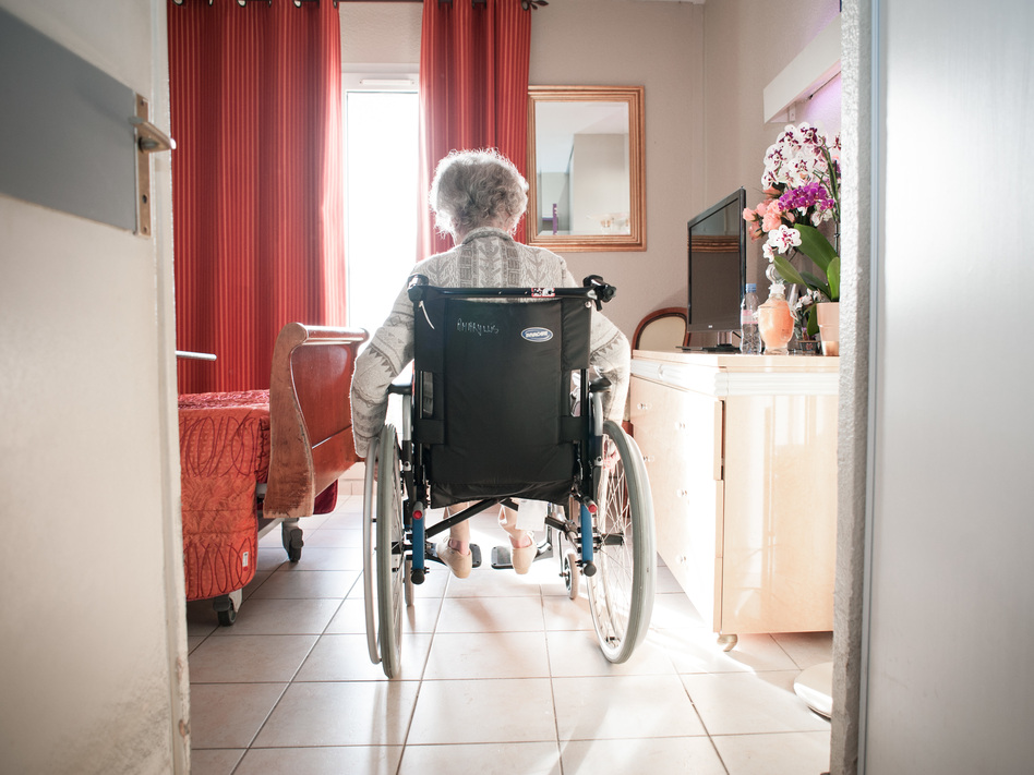 Medicare's new program will alter a year's worth of payments to 14,959 skilled nursing facilities across the U.S., based on how often in the past fiscal year their residents ended up back in hospitals within 30 days of leaving. (BSIP/Getty Images)