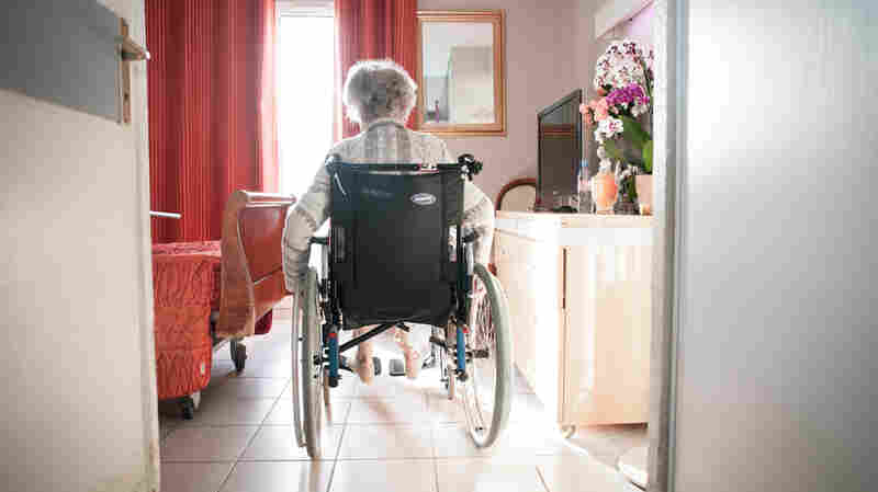 Medicare To Cut Payments To Nursing Homes Whose Patients End Up Back In The Hospital
