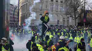 Police Deploy Armored Vehicles, Tear Gas Against Paris Protesters; Hundreds Detained