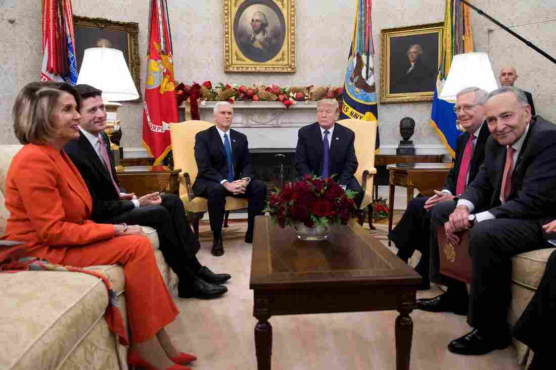 Pres. Trump bickers with Dem leaders, threatens gov't shutdown