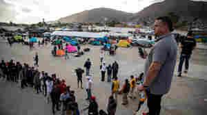A Honduran Restaurant Hands Out Hot Comfort Food For The Migrant Caravan In Tijuana