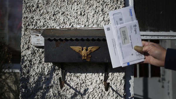 Your Mailbox Could Be Opened Up To Private Carriers