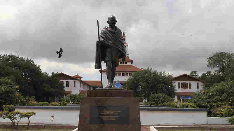 University Of Ghana Removes Gandhi Statue After Faculty Outcry