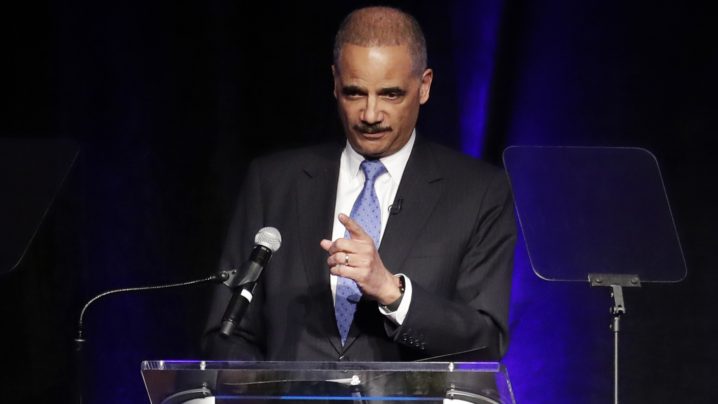 photo image Former Attorney General Eric Holder Close To 2020 Decision As He Heads To Iowa