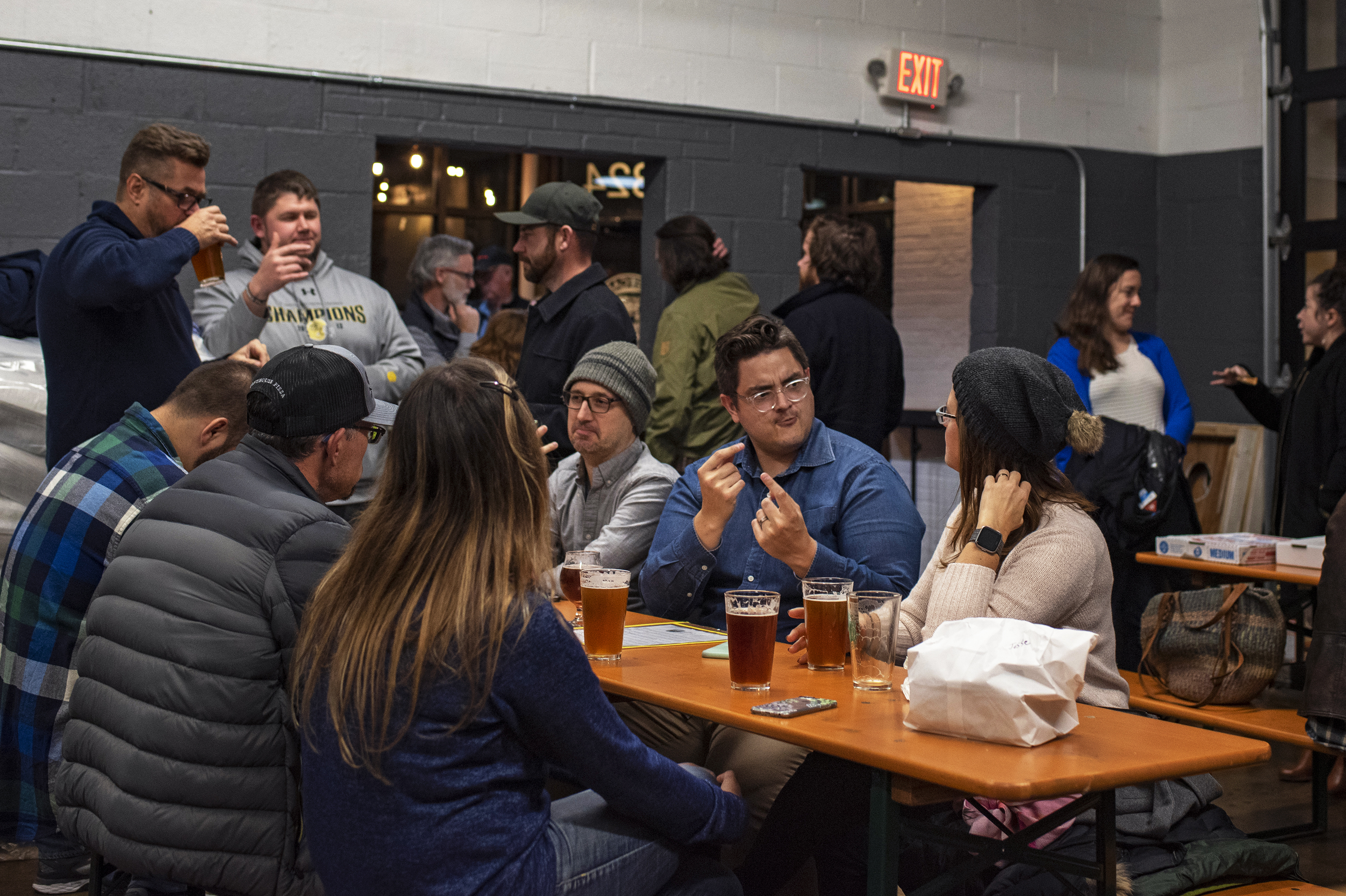 Deaf and hearing patrons communicate through a mixture of ASL, lip reading and talking to one another. Streetcar 82 Brewing Co. was founded by alumni from Gallaudet University to create a community for both hearing and deaf people who admire locally brewed beer in Hyattsville, Md.