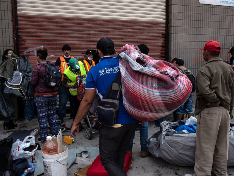 For Asylum-Seekers Waiting In Mexico, Volunteers Offer Medical Help ... ffa4d3395501
