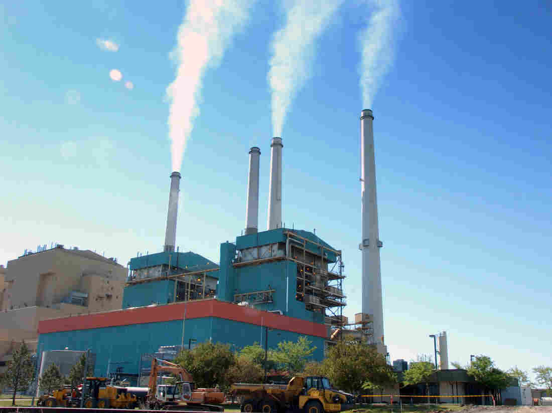 EPA takes aim at Obama-era regulation of mercury at coal plants