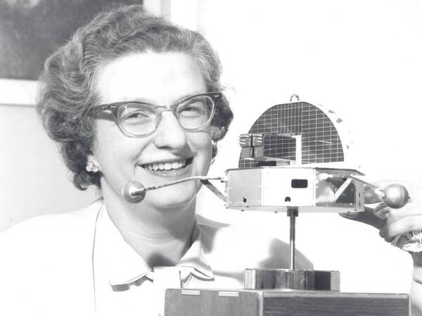 """Astronomer Nancy Grace Roman, known as the """"Mother"""" of Hubble, died at 93."""