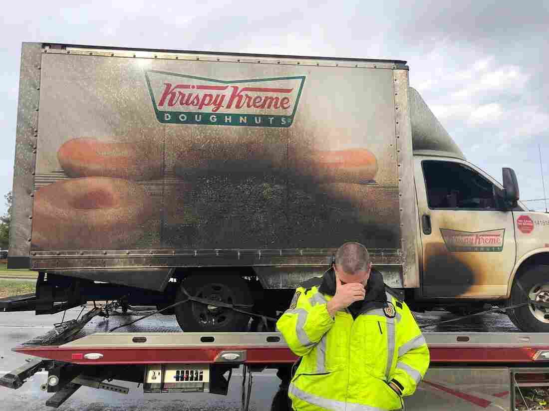 Kentucky police 'mourn' after doughnut truck catches fire