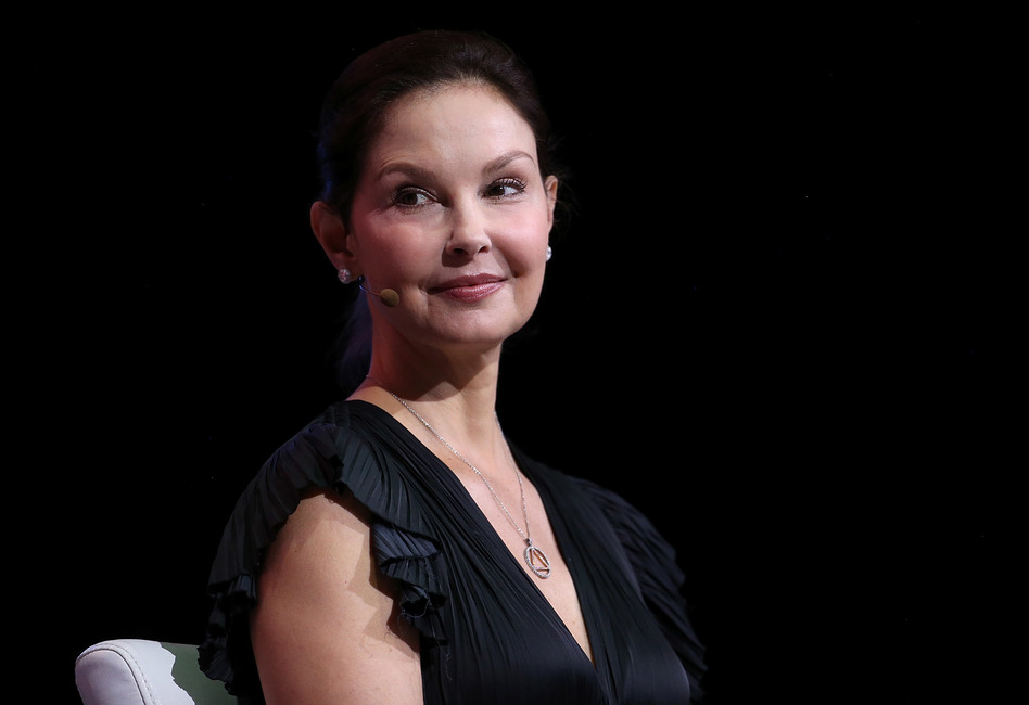 Ashley Judd can continue with the defamation part of her lawsuit against disgraced former movie mogul Harvey Weinstein, a judge ruled Wednesday. (Justin Sullivan/Getty Images)