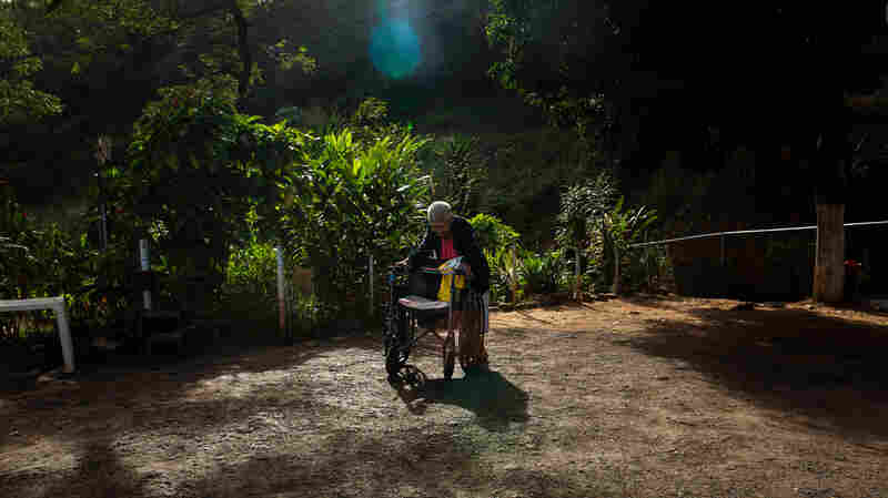 Photos: The Forgotten Old People Of Venezuela