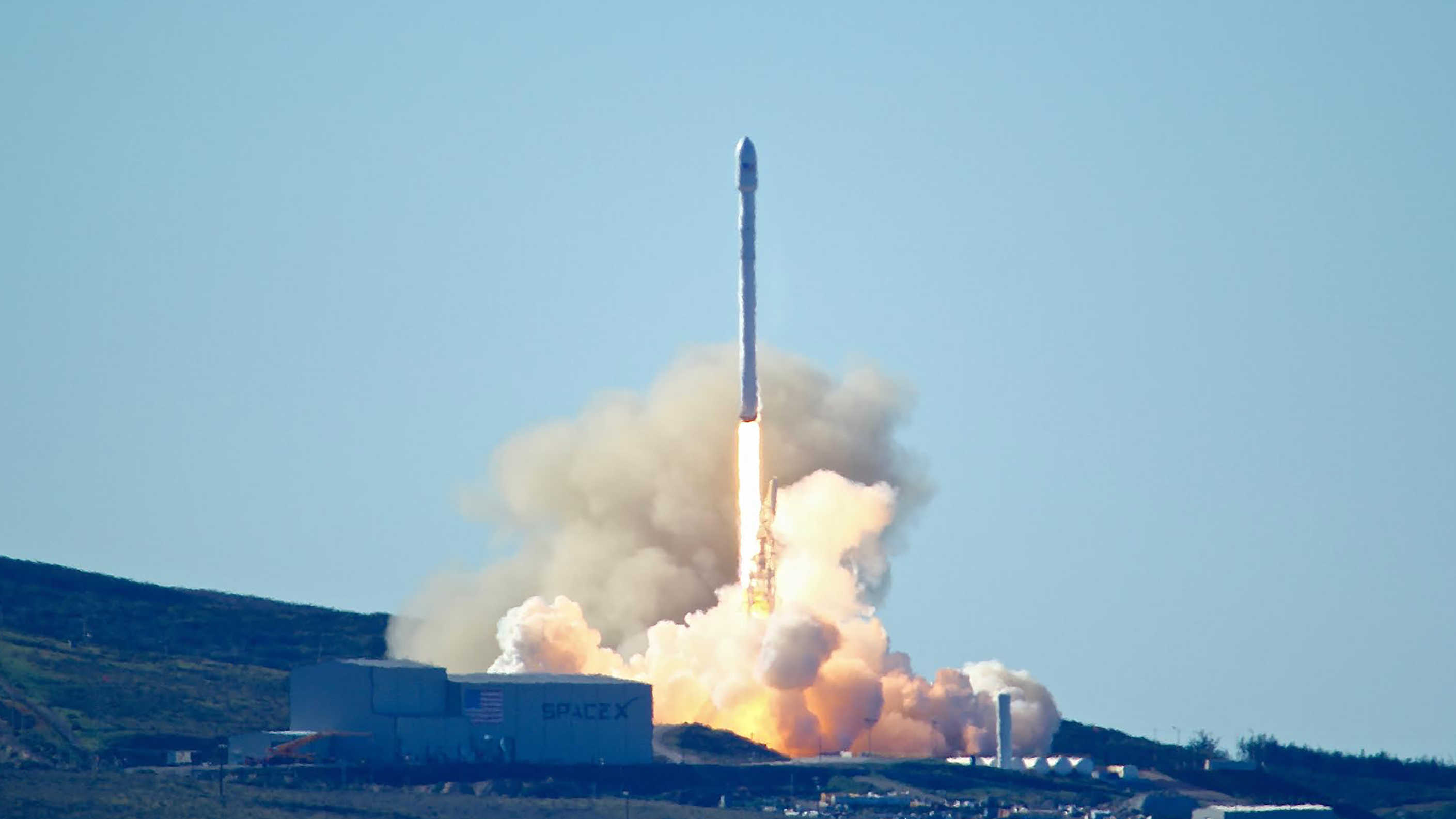 npr.org - Richard Gonzales - SpaceX To Lay Off 10 Percent Of Its Workforce