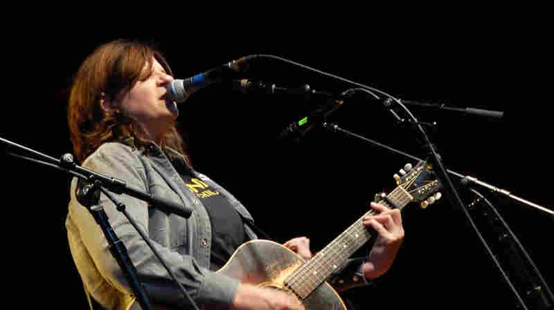 Amy Ray Isn't Afraid To 'Holler'