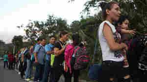 Honduran Caravan Crosses Guatemala, Traveling Toward U.S.
