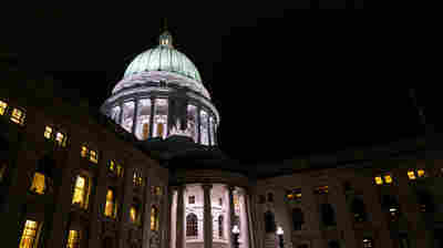 Federal Judge Strikes Down Lame-Duck Changes To Wisconsin Voting Laws