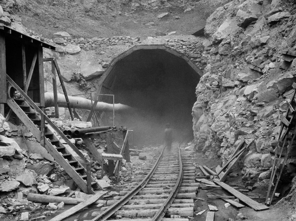 Before black lung, West Virginia tunnel project killed