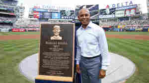 Rivera, Halladay, Martinez, Mussina Elected To Baseball's Hall Of Fame