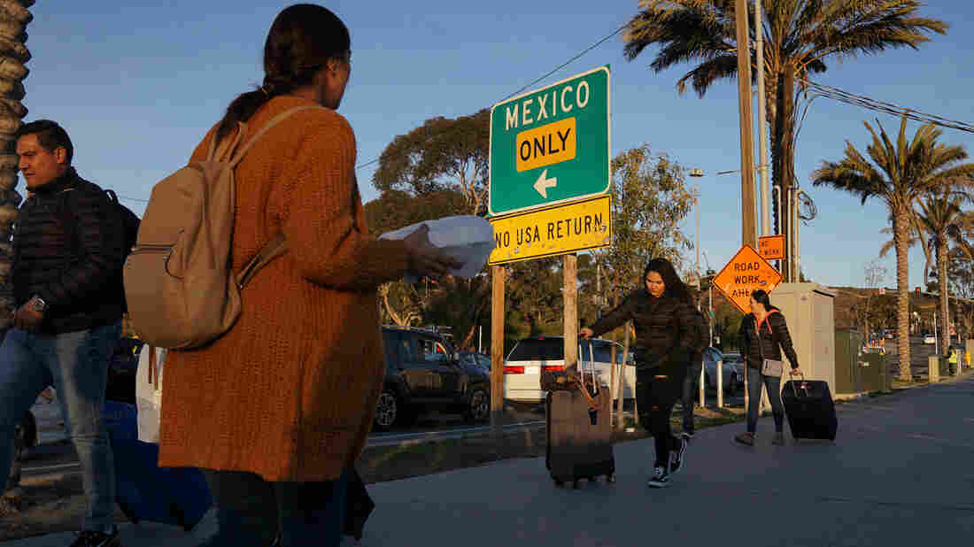 New asylum policy to start with 20 Central Americans returned to Tijuana