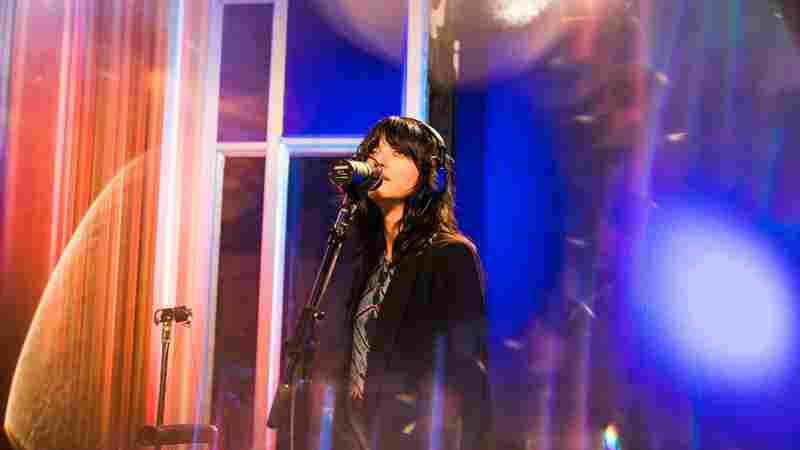 Watch Sharon Van Etten Perform 'Seventeen' Live In The Studio