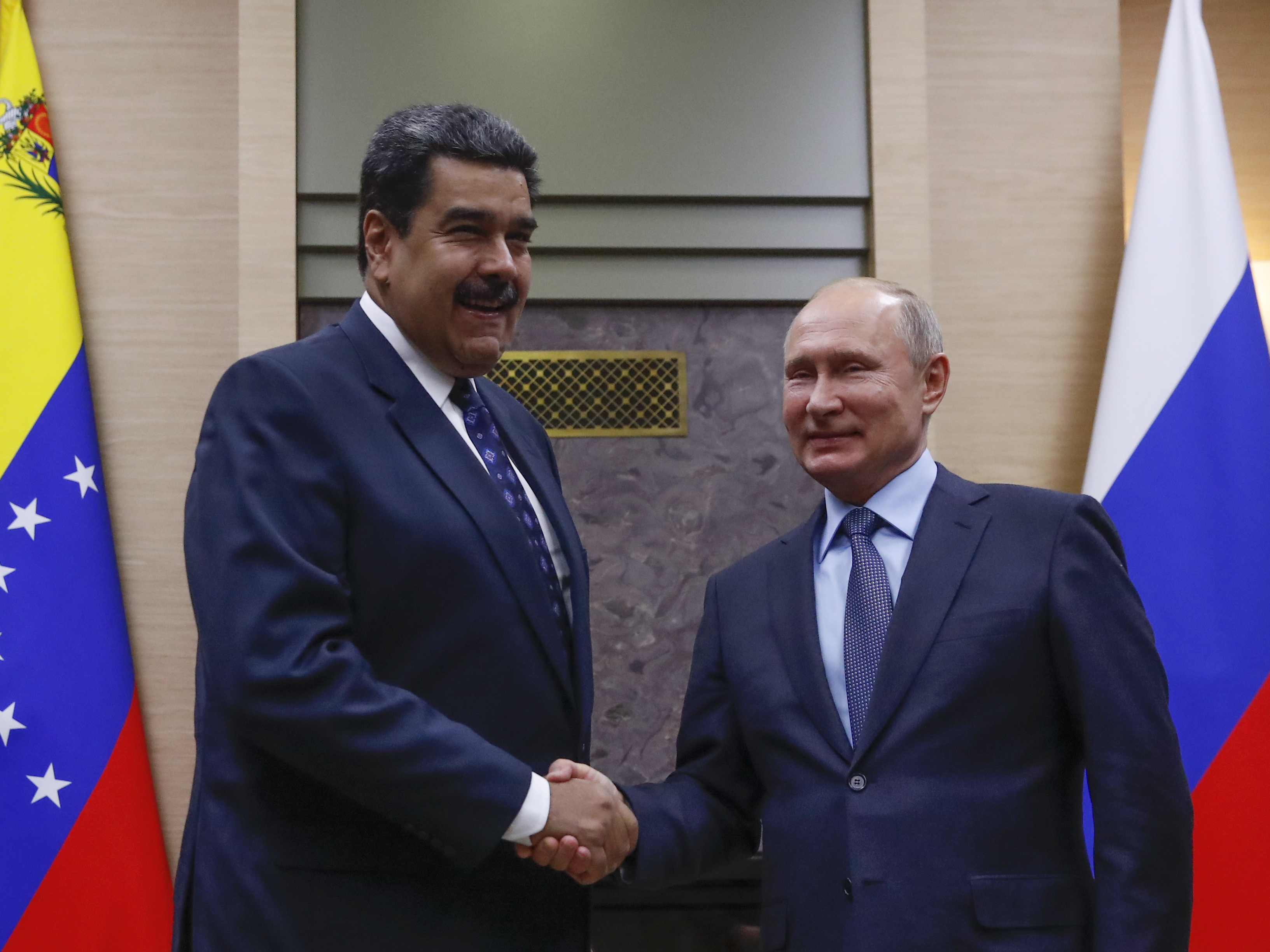 Putin Backs Maduro As Kremlin Critics Cheer U S Support For Venezuela S Opposition Npr