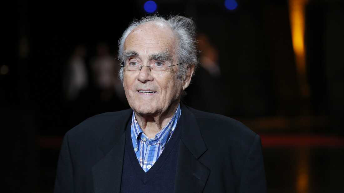 Michel Legrand, Oscar-Winning Composer Who Lived 'Surrounded by Music', Dies At 86